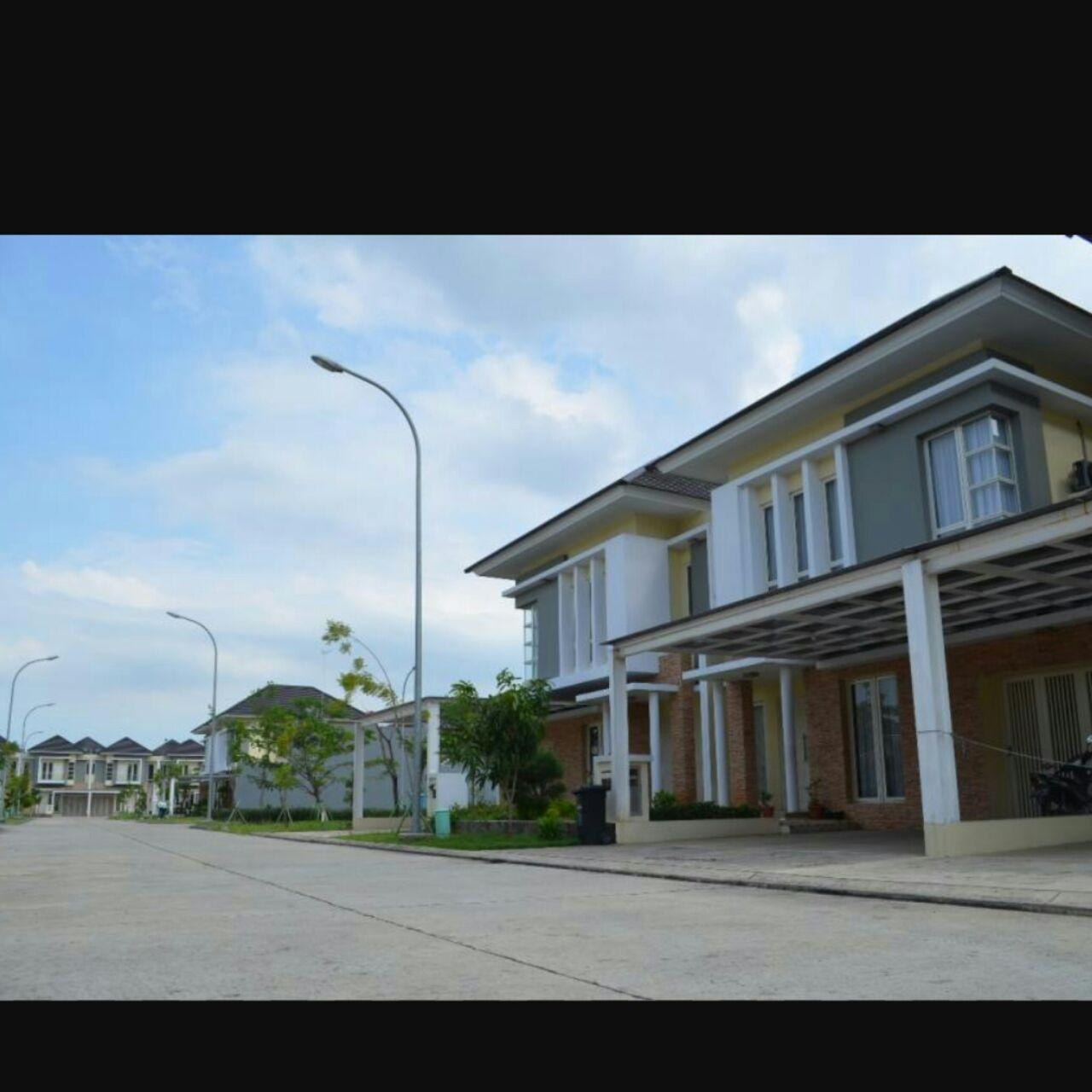 Rumah dijual murah Cluster Asera One West , Harapan Indah Bekasi