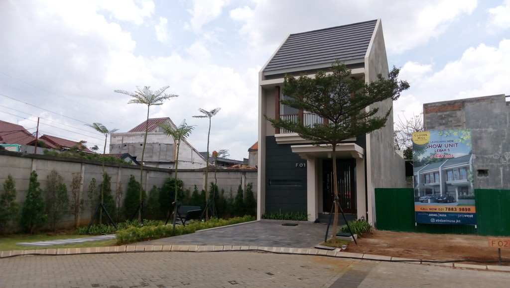 Joglo Jakarta Barat - Cluster Premium Harga 1,9 Milyar.