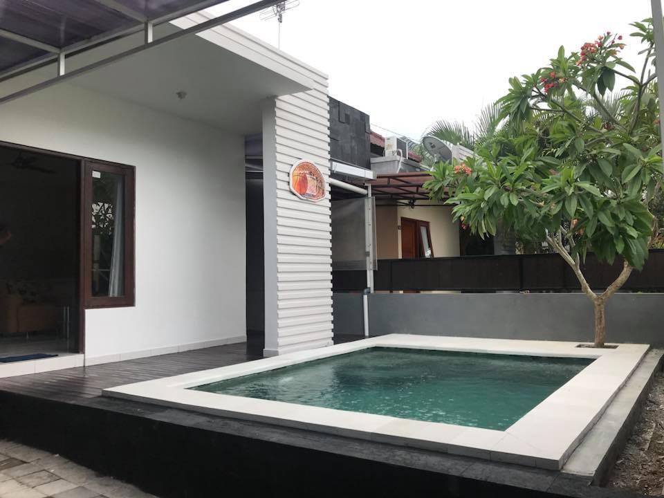Freehold Cozy House in Kerobokan For Sale