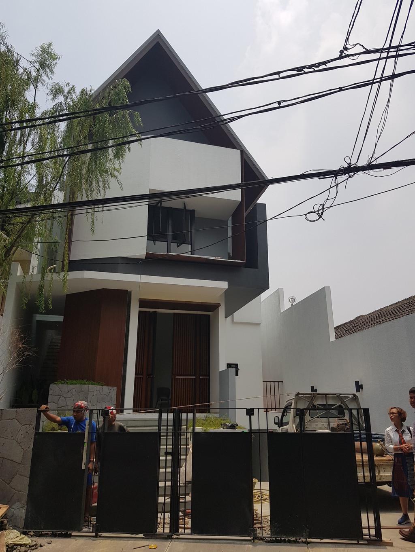 Dijual Rumah Desain Arsitek Modern ,Material Mewah