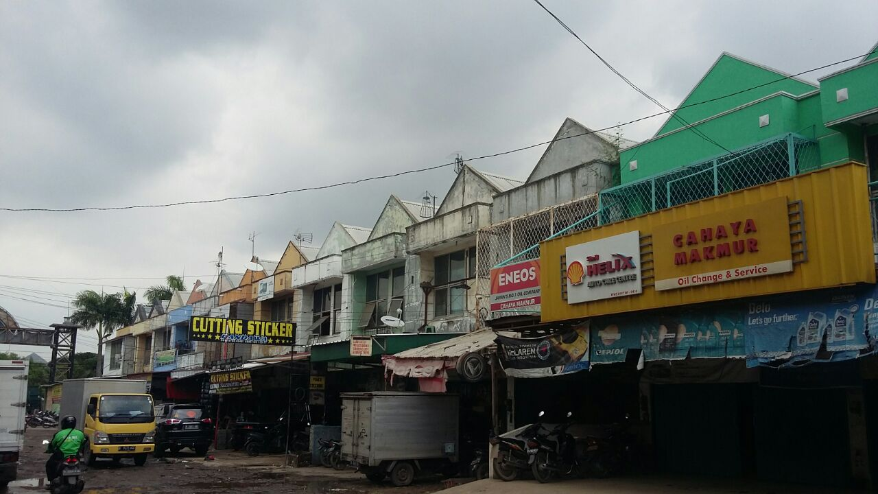 Dijual murah ruko Sentra Onderdil Harapan Indah Bekasi