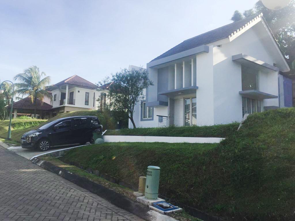 Rumah Bagus Di Cluster Front View, Ciawi