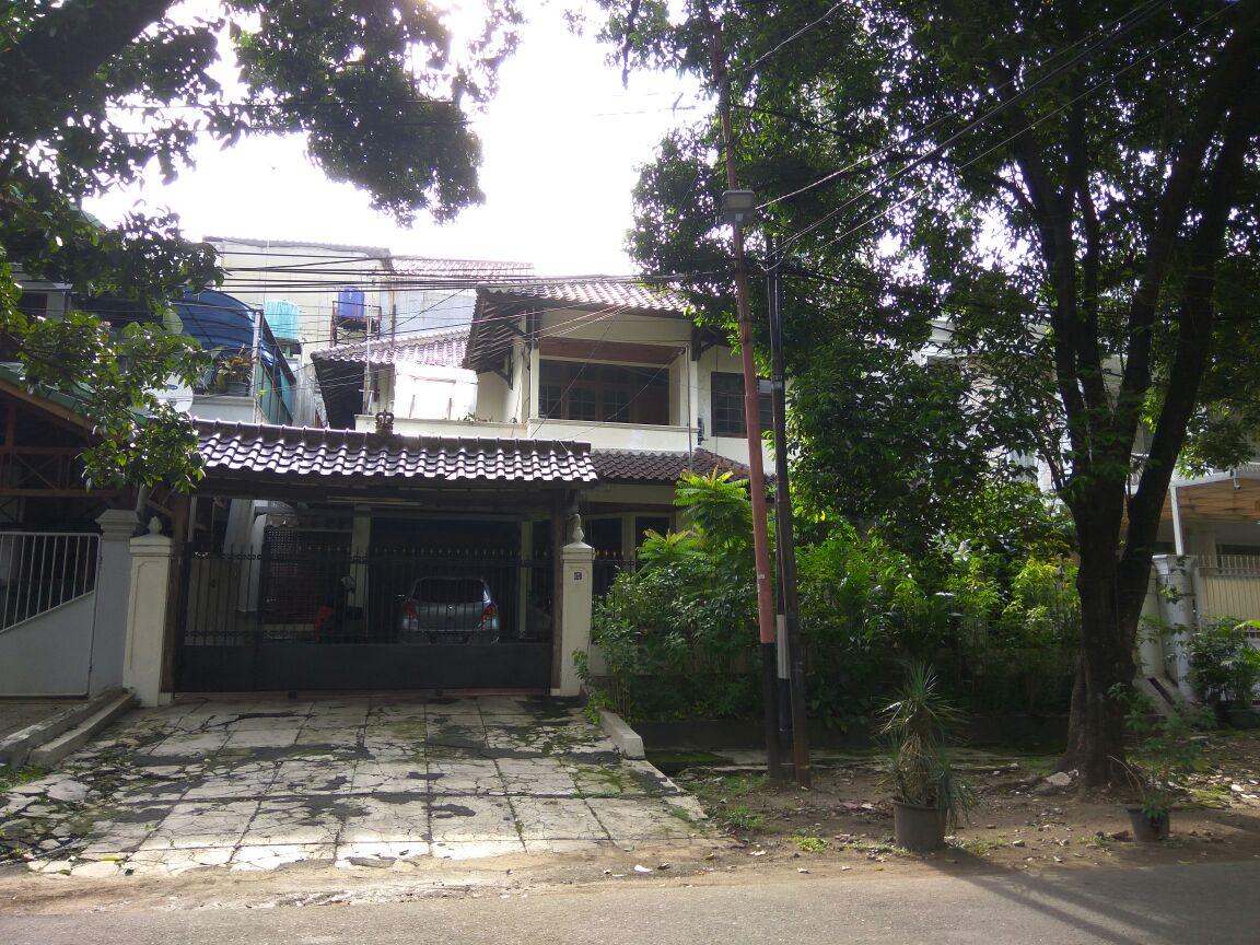 Rumah Bagus Di Jl Kerinci Raya, Kebayoran Baru