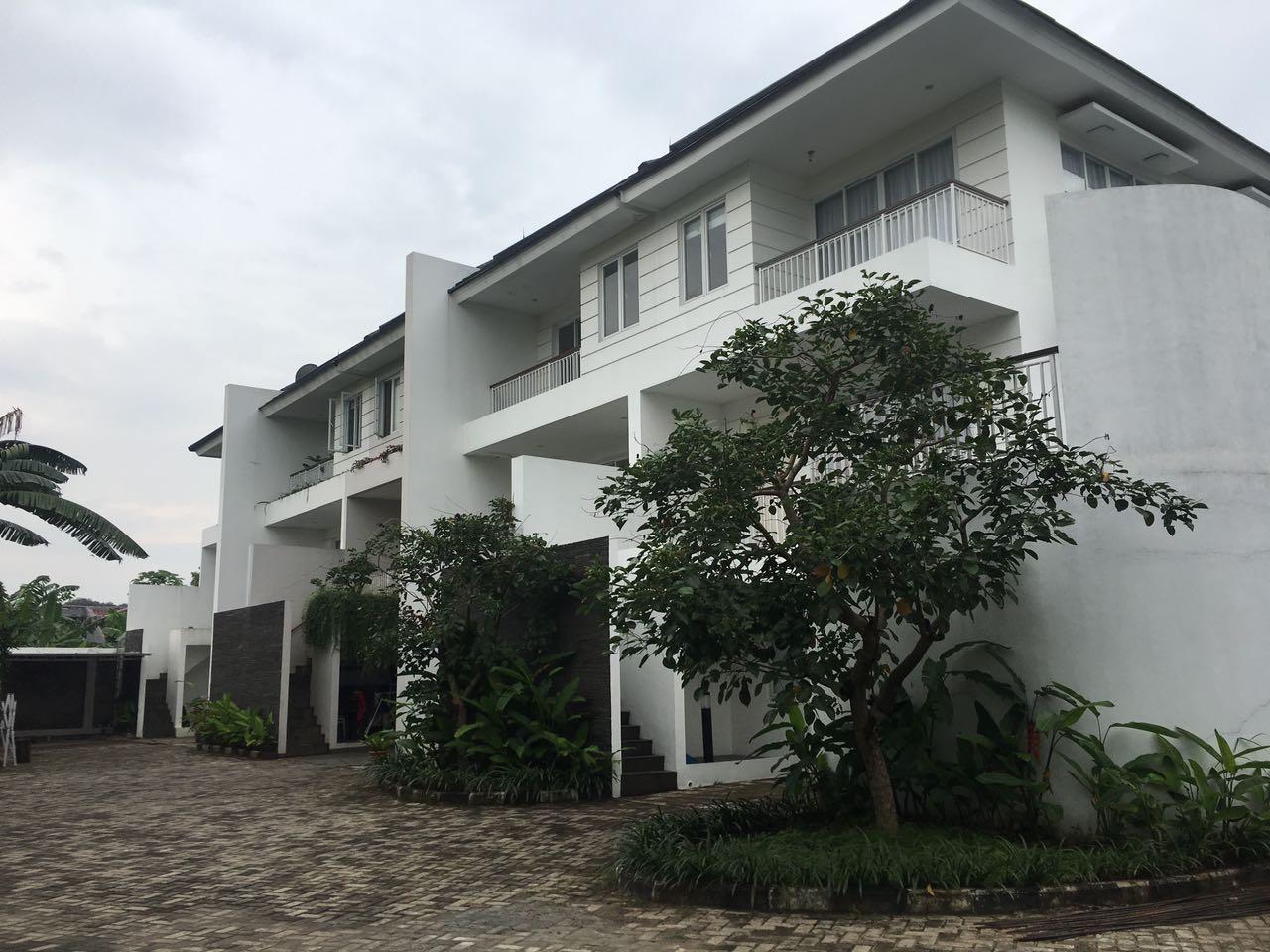 Brand New Townhouse di Cilandak, Hanya 1 KM dari CITOS, 4 BR, View Taman, Luas 134 m2