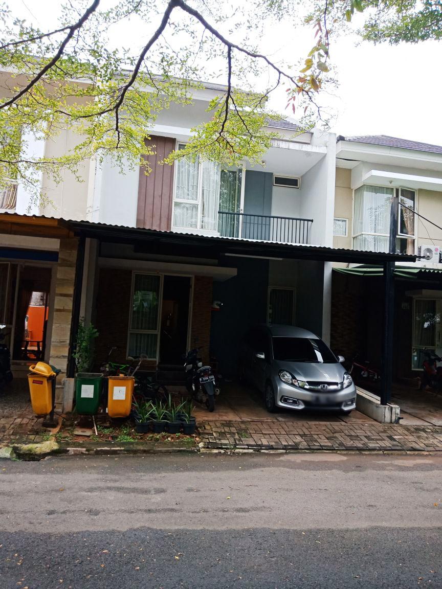 Rumah Bagus Di Urbana Place, Ciputat