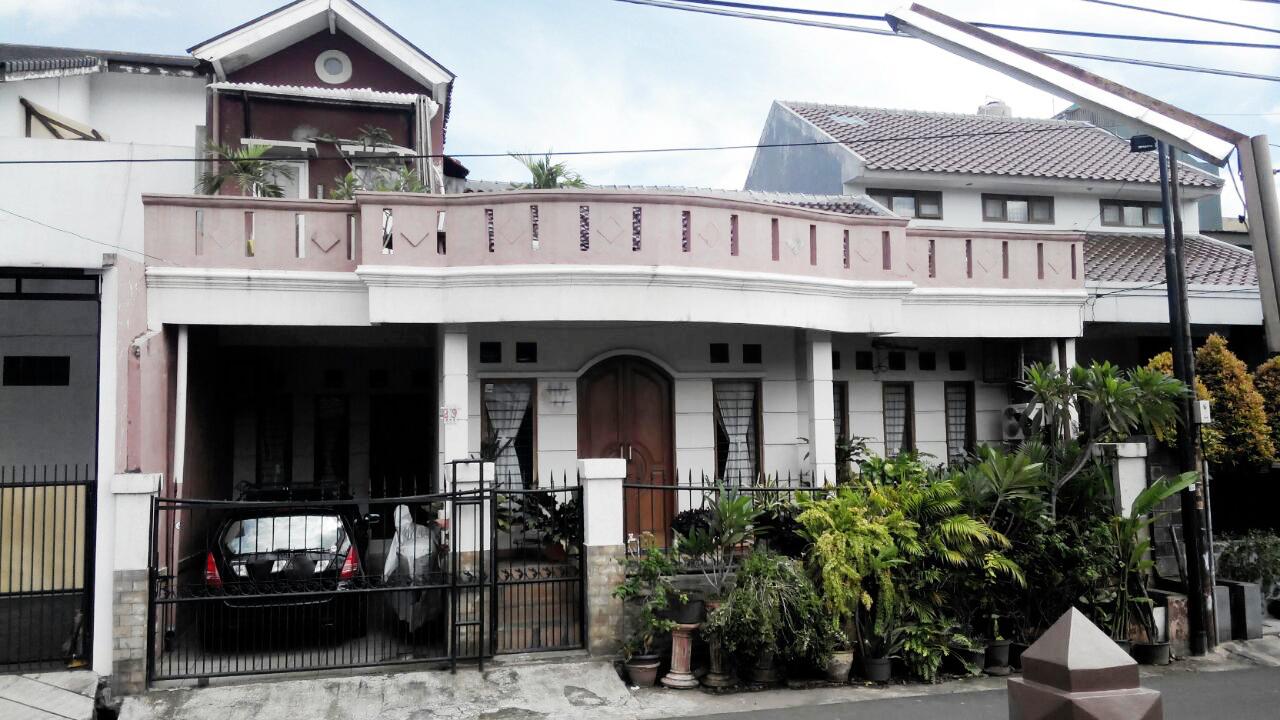 Rumah Bagus Di Jl Anggrek Garuda, Slipi
