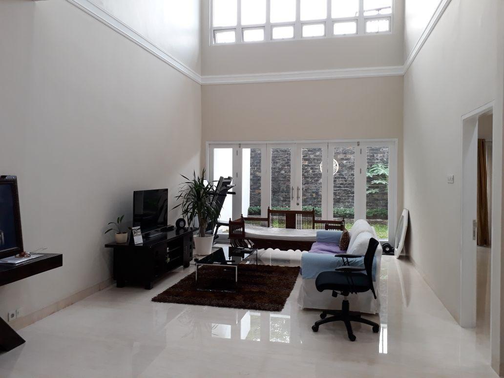 Rumah di Cipete, Jakarta Selatan, 4 Bedroom, Siap Huni, Hadap Selatan, SHM, Luas Tanah 278 m2