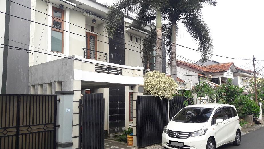 Rumah di Cipete, Jakarta Selatan, 4 Bedrooms, Furnished, Luas Tanah 150 m2