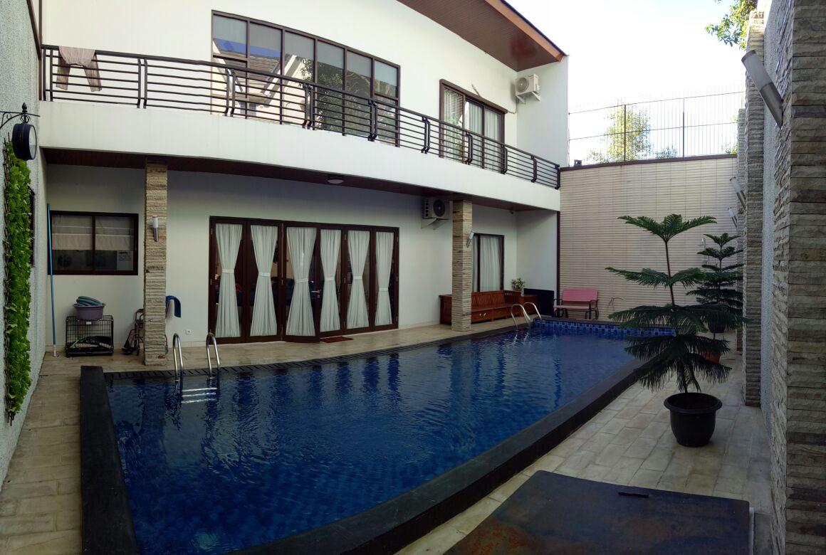 Dijual Rumah Siap  Huni di Bukit Golf Cibubur