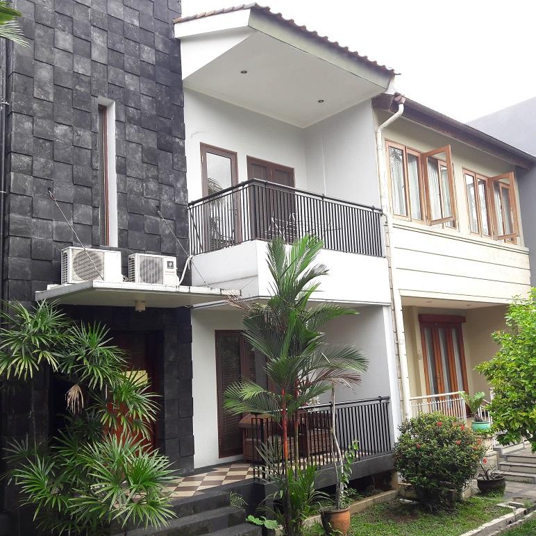 Rumah di Cipete, Jakarta Selatan, Dalam Cluster, Di Hoek, 3 Kamar Tidur, Semi Furnished, SHM, Luas Tanah 140 m2