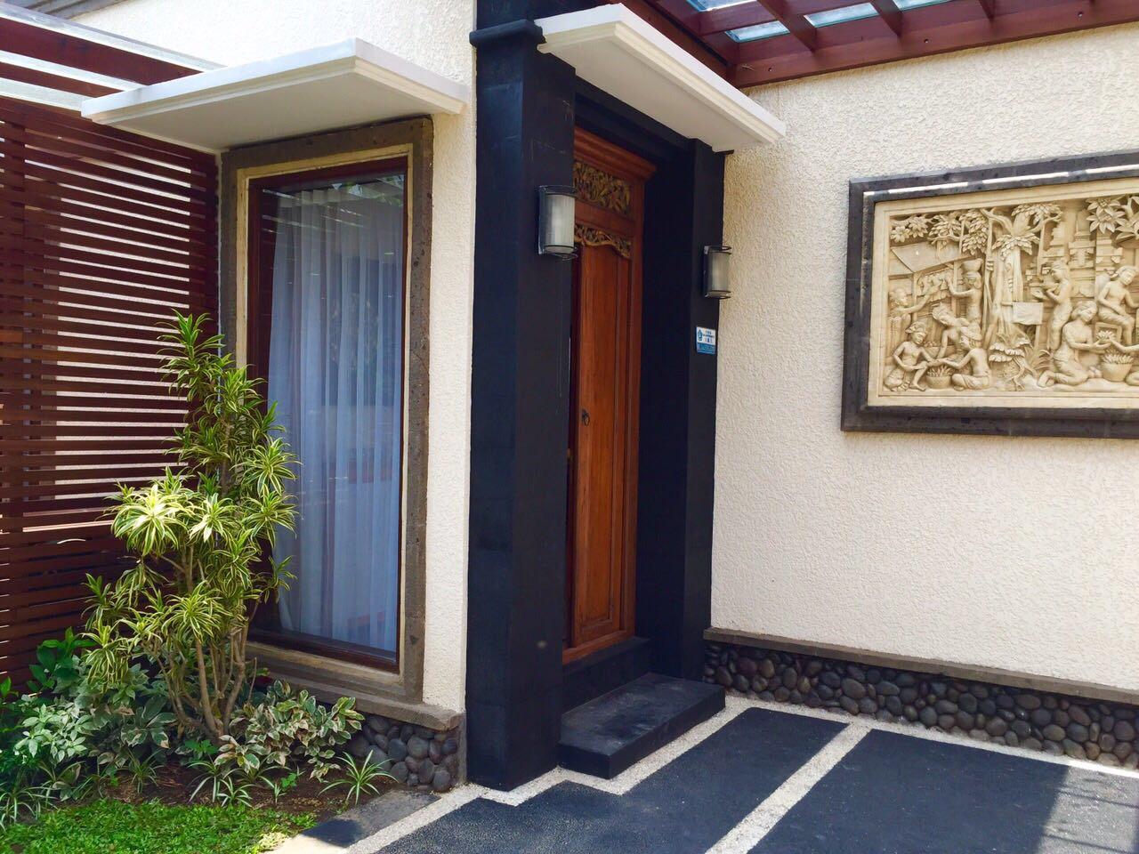 GOOD INVESMENT!! Villa Mercy (Closed LIVING ROOM) for SALE in Taman Sari Kerobokan.