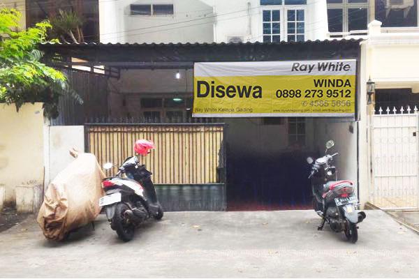 Rumah di Sewa Kelapa Kopyor Raya-Kelapa Gading-Jakarta Utara