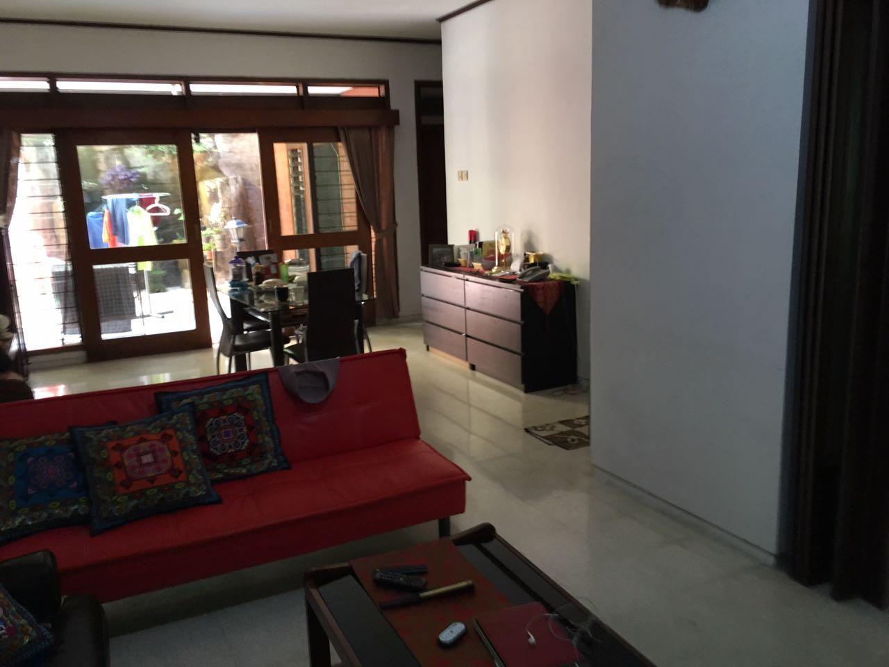 Di jual rumah Jl sambas lokasi strategis dekat MRT dan Blok M kebayoran baru Jakarta Selatan
