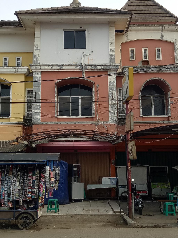 Dijual Cepat Ruko Ramai dan  Strategis di Pondok Ungu Permai