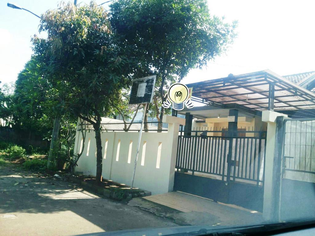 Rumah Nyaman di Kawasan Graha Raya, Bintaro