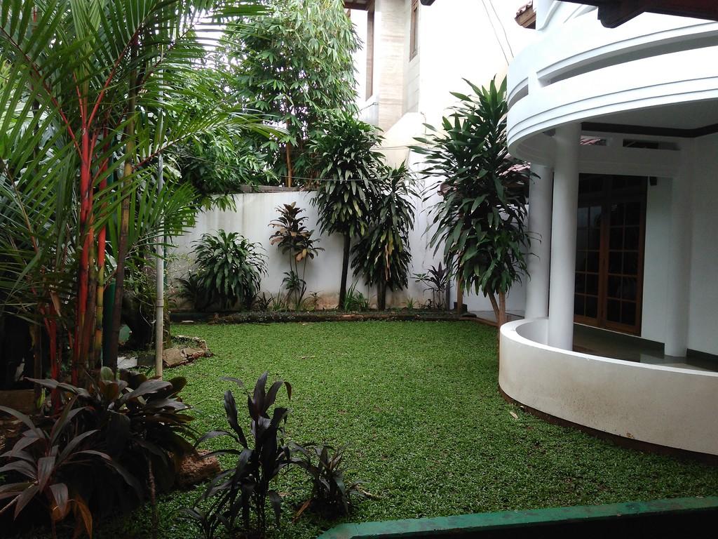 Disewakan rumah tinggal /kantor  lokasi strategis dekat dengan SCBD Jl Kertanegara kebayoran Baru Jakarta Selatan