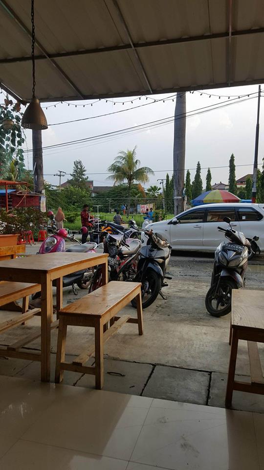 Ruko Plus Usaha Coffee Shop, 2 lantai di Pesona Anggrek, Bekasi Utara