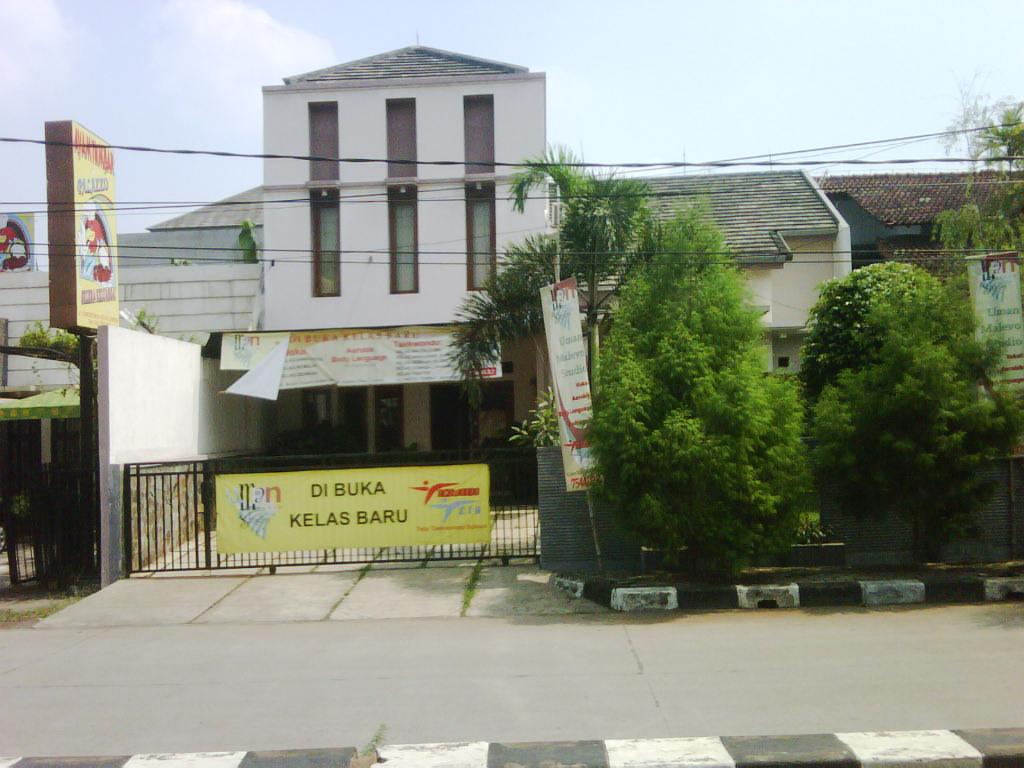 Rumah Nyaman dan Siap Huni di Kawasan Cinere Raya, Depok