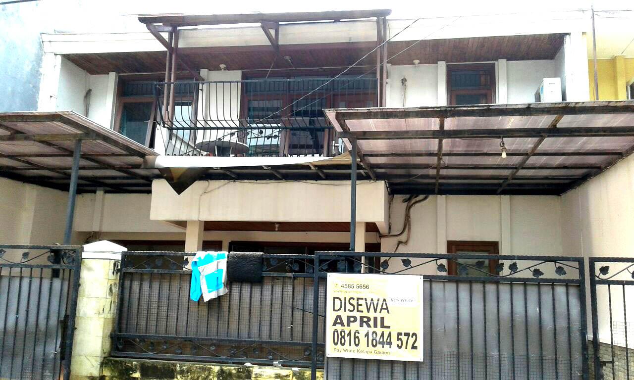 Rumah di Sewa Janur Kuning-Kelapa Gading-Jakarta Utara