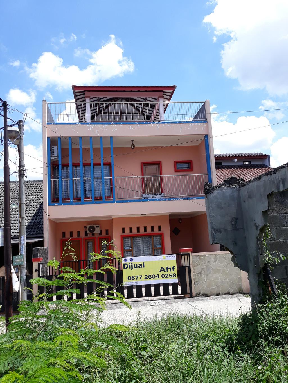 Rumah dengan Gazebo di Lantai 3 Jl. Batam V Belakang Mako Brimob Cimanggis - Depok