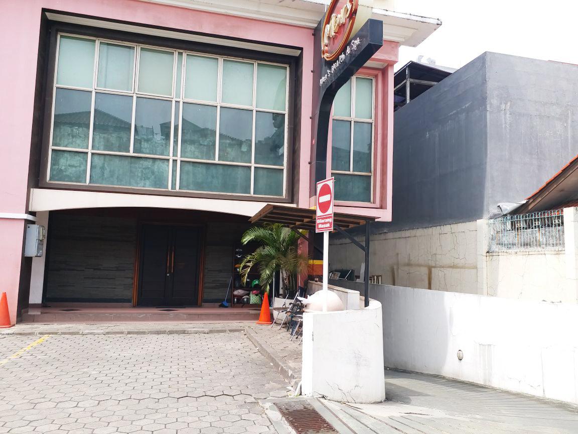 Ruko Strategis dan Siap Pakai Di Jl Margaguna, Kebayoran Baru