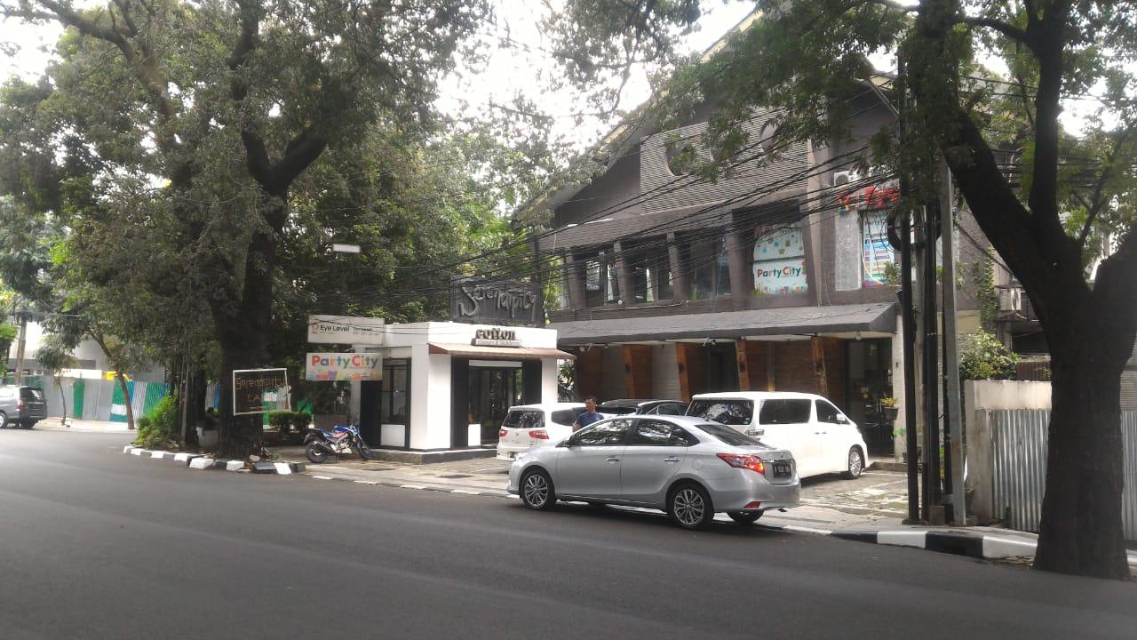 For Rent : Runag Usaha Ex Resto  di Jl Suryo, Kebayoran Baru