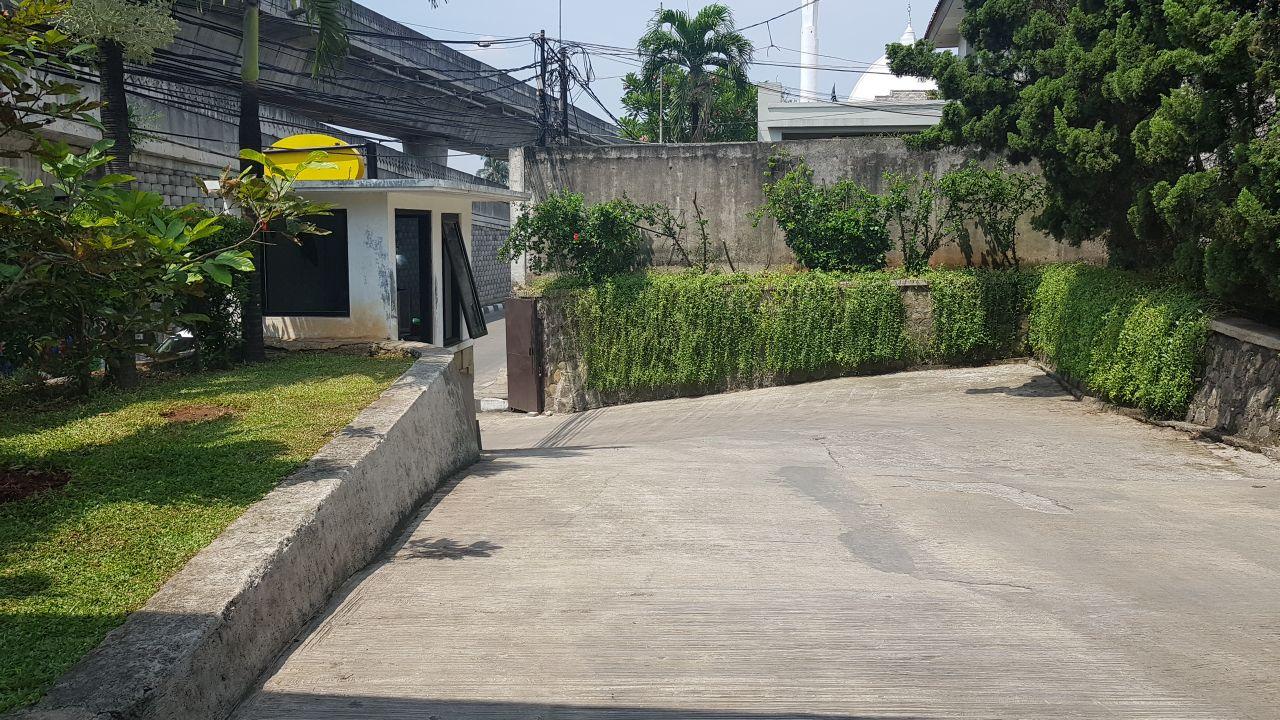 Antasari Raya - Ruang Usaha dan rumah siap huni hitung tanah
