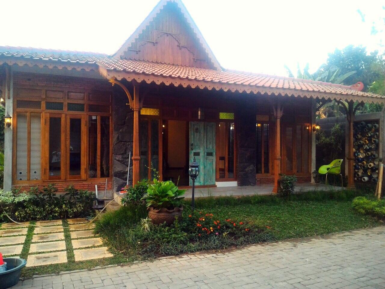 Rumah Limasan Jawa di Cluster Casabumi, Sukabakti, Sarua Indah, Ciputat Bintaro