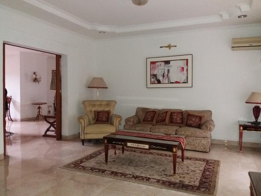 Dijual Rumah Bagus di komplek elit villa delima, posisi hook depan taman