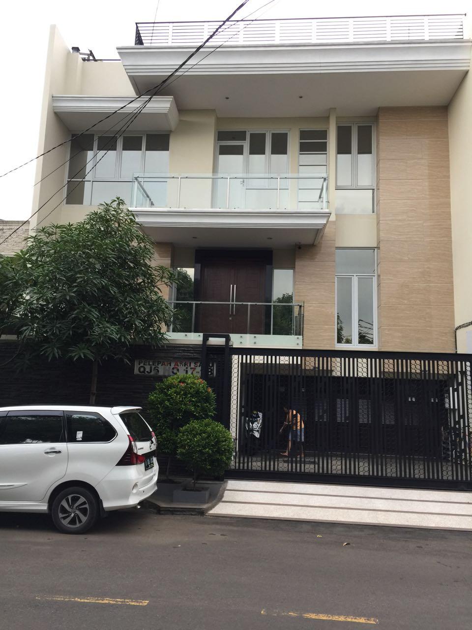 Rumah di Jual Pelepah Asri-Kelapa Gading-Jakarta Utara