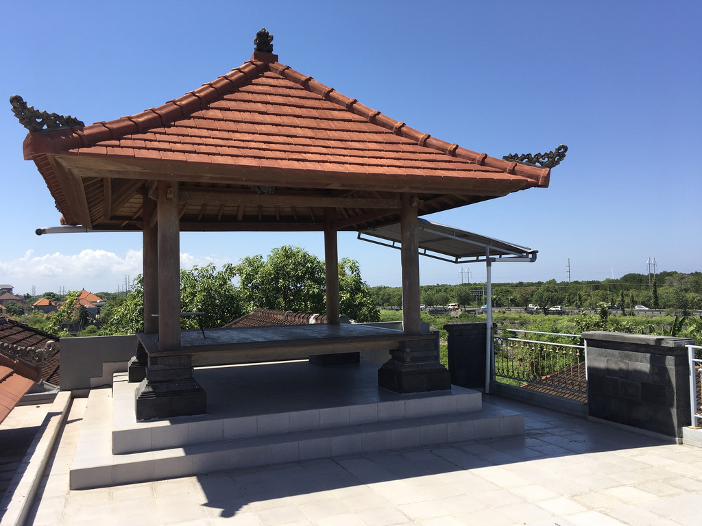 HOUSE FOR SALE NEAR SANUR