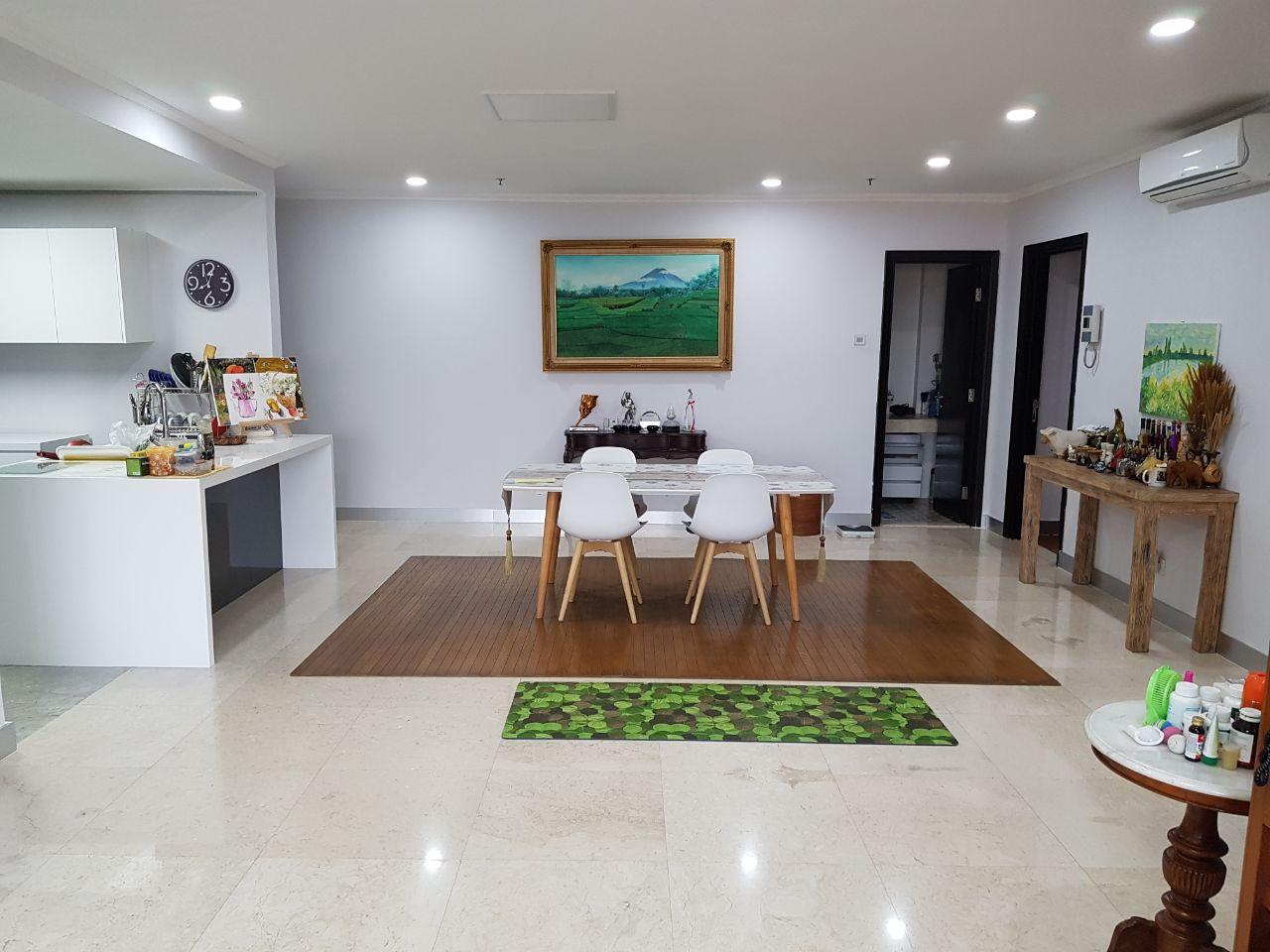 Dijual 1 unit Apartment 3bedroom di Apartemen Sommerset Permata Hijau