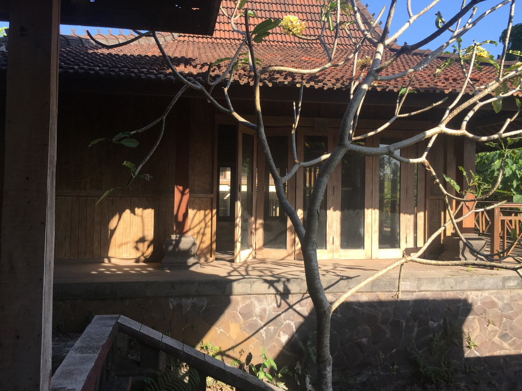 Unique House Need Renovation In Denpasar