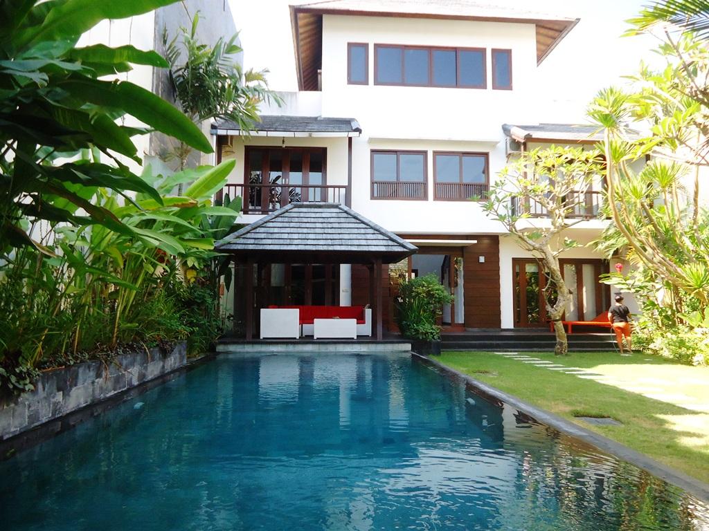 Freehold Luxury Villa With Pondok Wisata Close to The Beach in Canggu