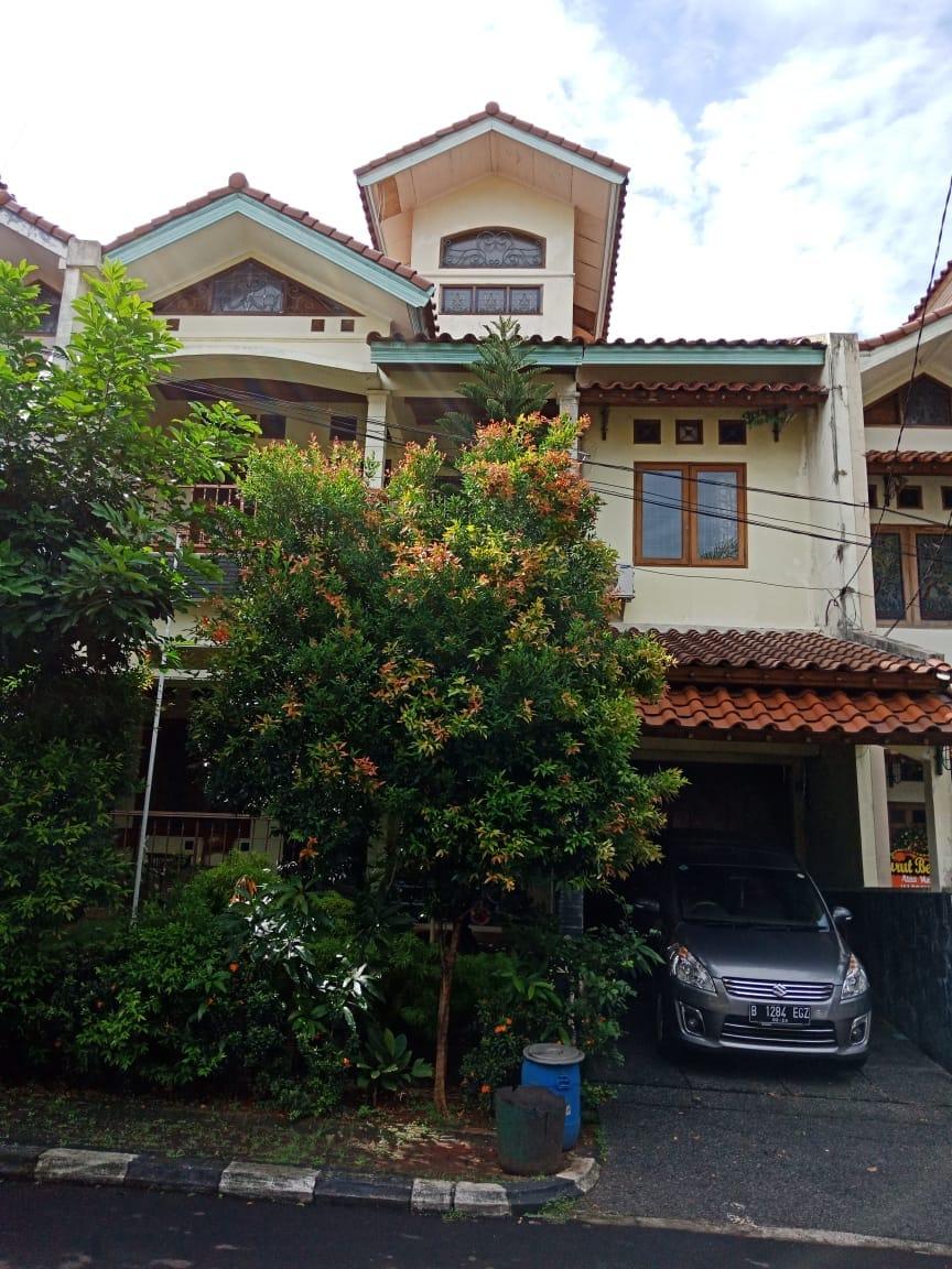Dijual Rumah 2 Lantai Pesona Khayangan Depok
