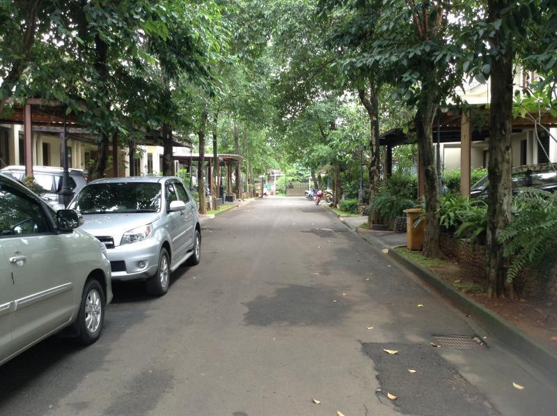 Dijual Rumah Cantik terawat area Mutiara Kemang Town house