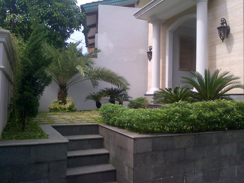Rumah Baru dan Bagus di area Kemang