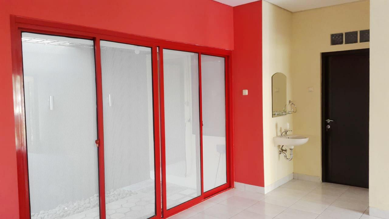 Rumah Bagus Siap Huni Di Emerald Town House, Bintaro Jaya Sektor 9