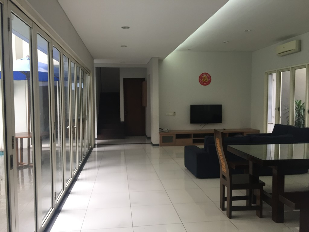 4 bedrooms semi furnished house in Senopati with Sudirman Skylight view roof top.