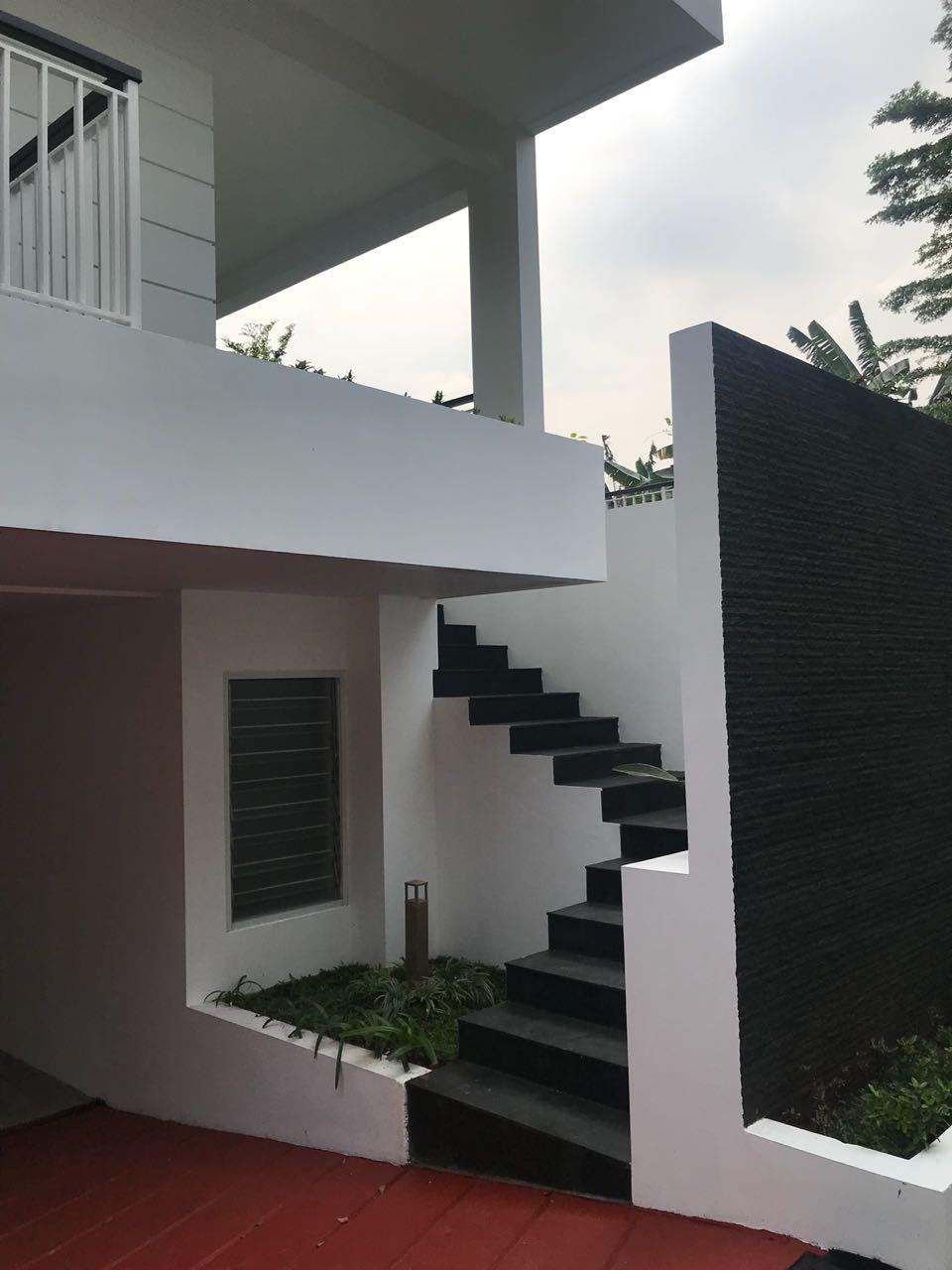 Rumah dijual dalam cluster area cilandak belakang citos