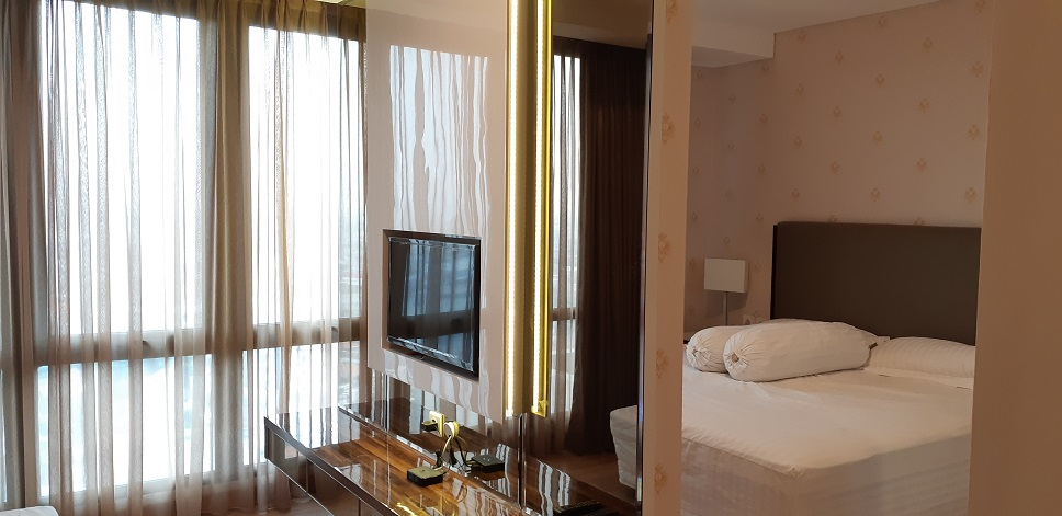 Apartemen di Capitol Suites, Brand New Unit, Lantai 20, Full Furnished