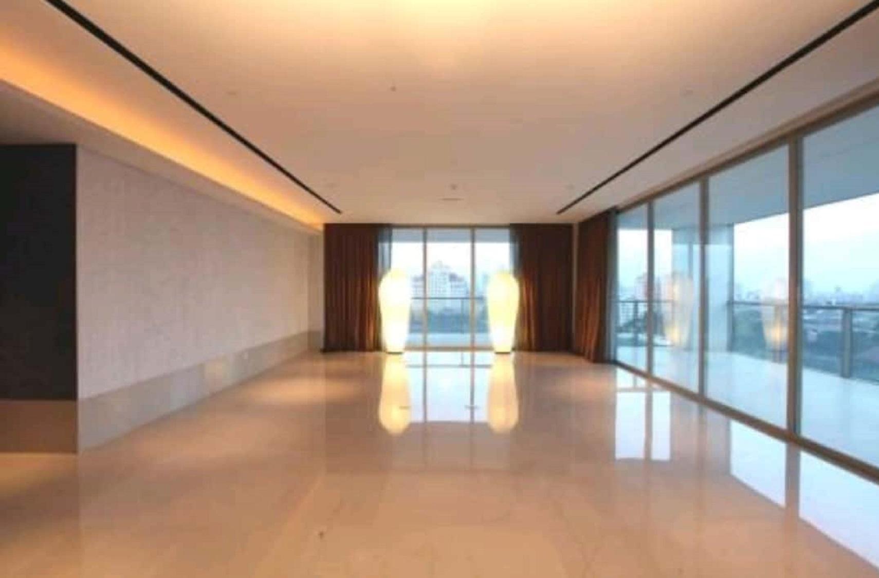 Apartemen di Dharmawangsa Residence, Middle Floor, City View