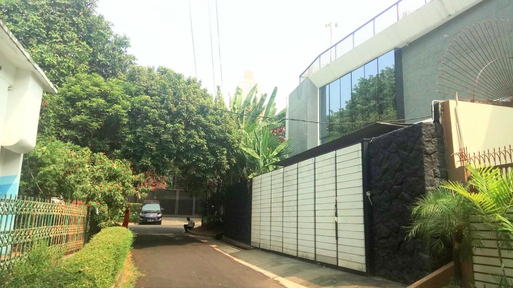 For Sale : Jl. Dempo, Kebayoran Baru, Rumah Bagus Siap Huni