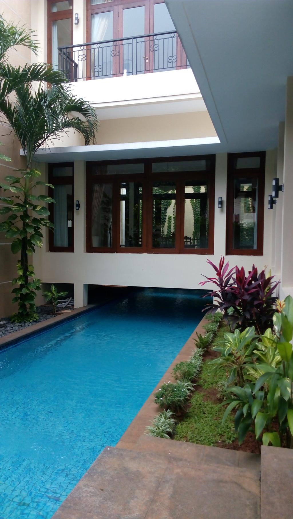 Cipete - Rumah Sewa Mewah Dengan Swimming Pool