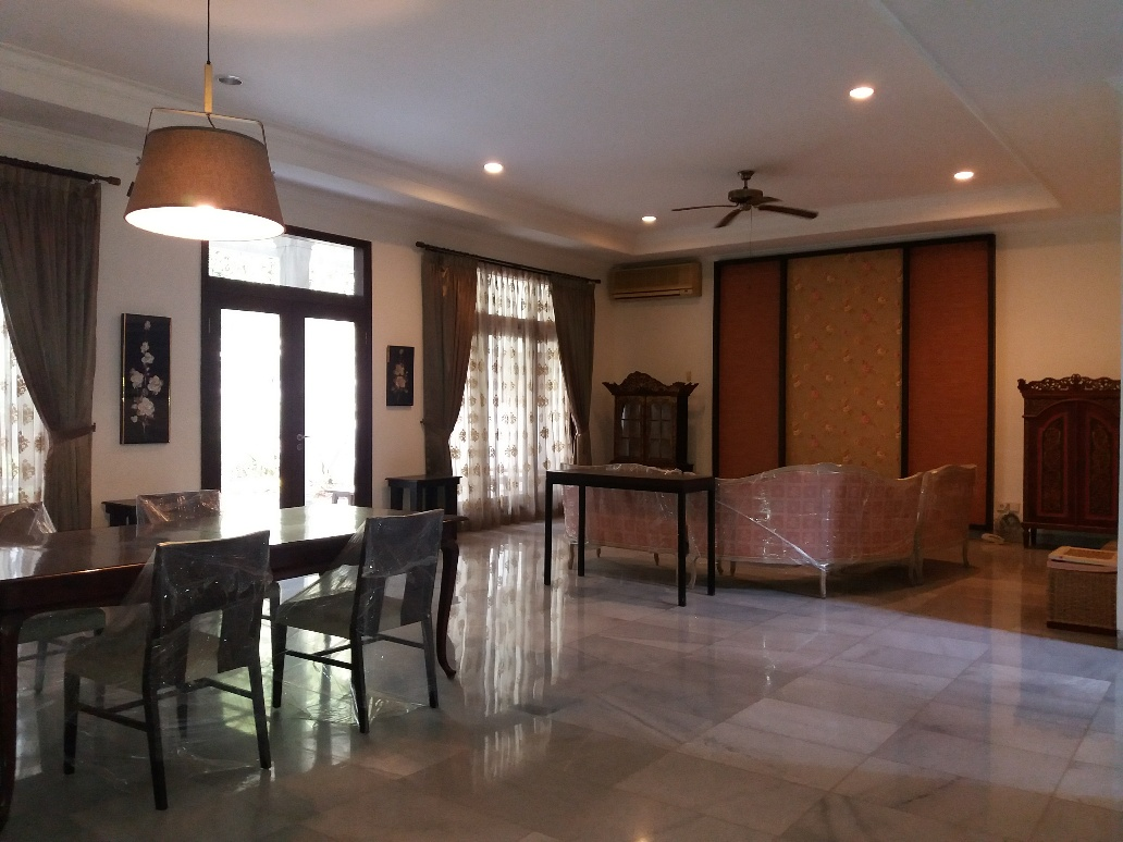 For Rent Beautiful house at cipete Walking distance to France school (townhouse)