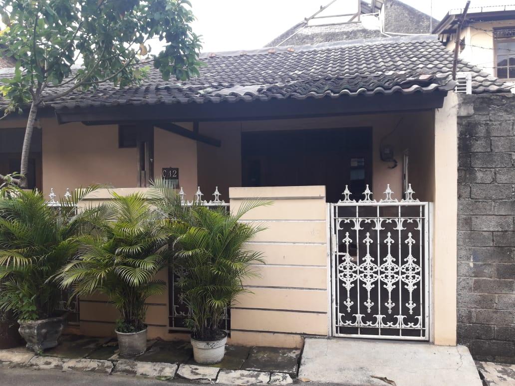 Dijual Cepat Rumah Hoek di Bintara , Nego sampai Deal